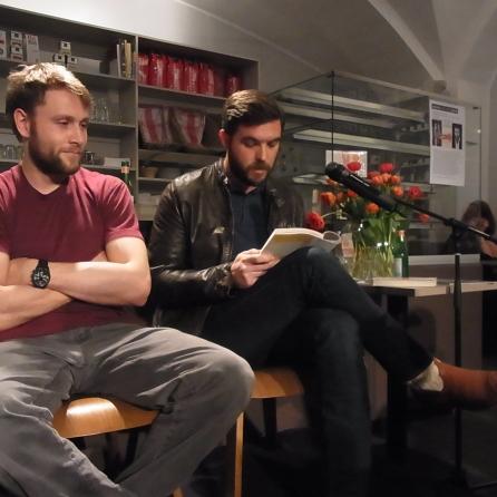 Max Riemelt und Kevin Powers in der Autorenbuchhandlung