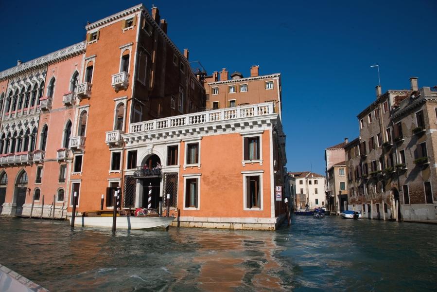 Den Palazzo Barbarigo kann man ganz bequem mit der Gondel erreichen.