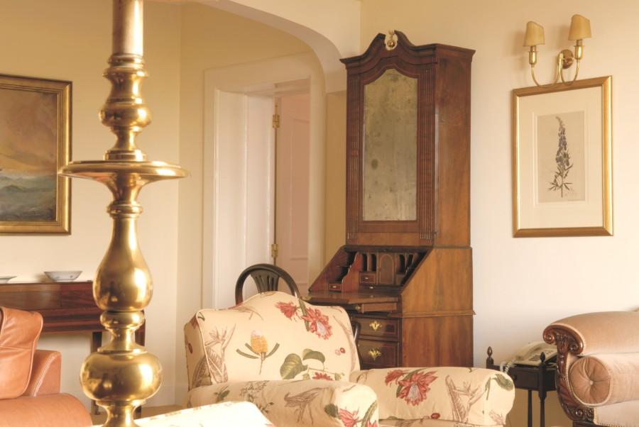 Die Zimmerausstattung im Hotel mutet royal an.