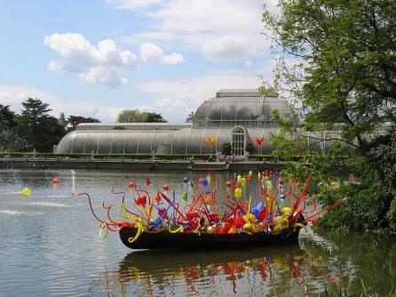 800px-Chihuly_at_Kew_Gardens_031