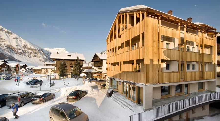 Schlichtes Design und nachhaltige Naturmaterialien machen das Hotel Larice aus.