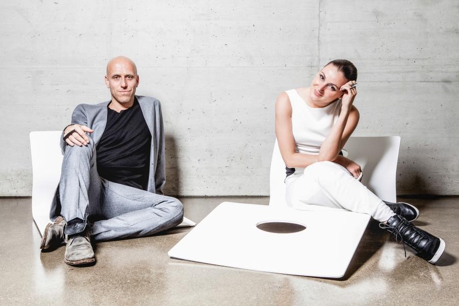 Seit 2013 arbeiten der Architekt Martin Lesjak und Produkt- und Modedesignerin Anastasia Su zusammen.