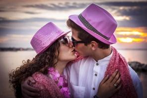 Outfit und Accessoires in rosa und pink. © Emilia Romagna Turismo