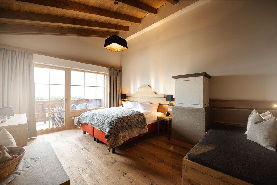 Zirben- und Eichenholz stehen in den Zimmern im Mittelpunkt.