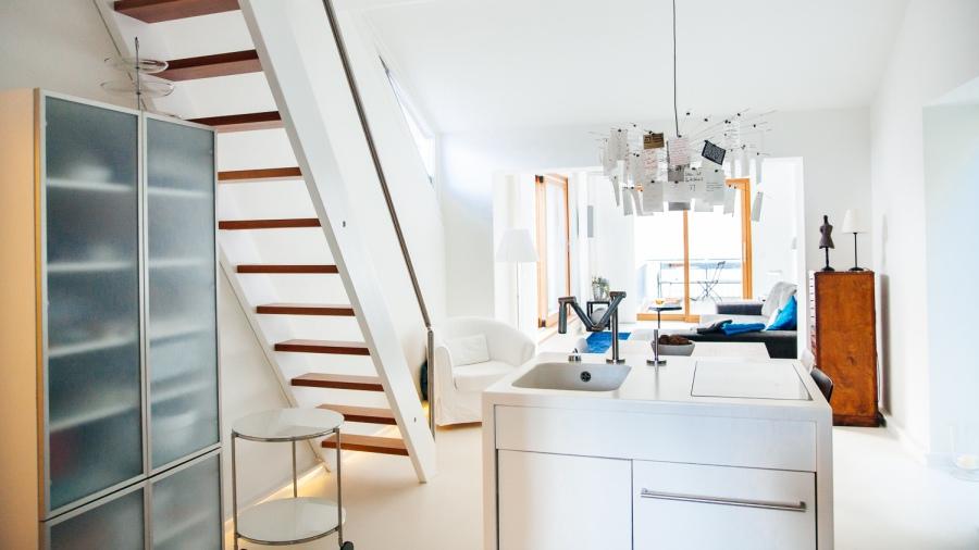 Modernes und helles Design findet sich in der Penthousesuite SALZ.